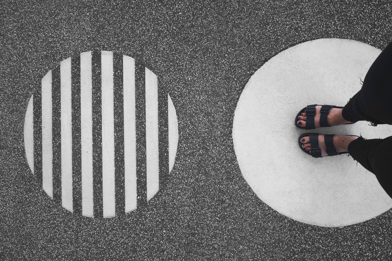 Feet on circle.